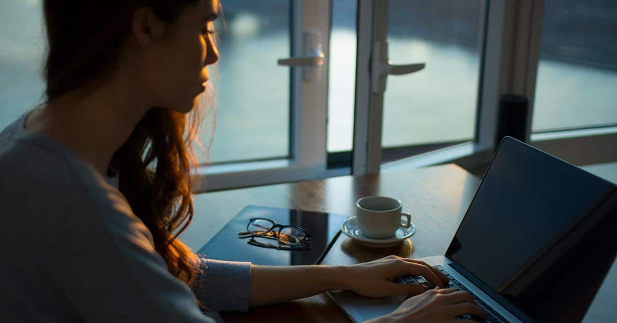 Prednosti e-izobraževanja: sinhrono in nesinhrono izobraževanje